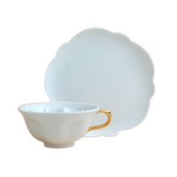 Hakuji (Gold) SAKURA shaped Cup and saucer
