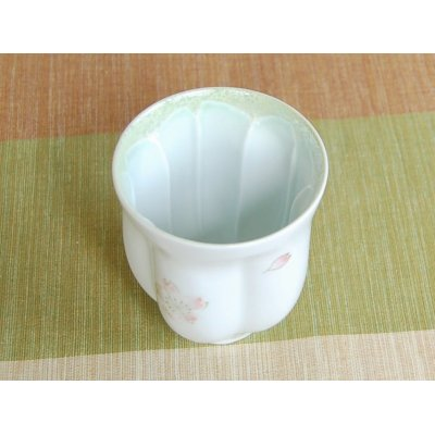 Photo4: Mai Sakura (Green) Japanese green tea cup / SAKURA type(wooden box)