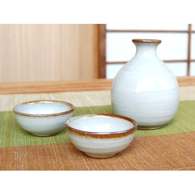 Photo2: Karatsu kohiki Sake bottle & cups set (wood box)