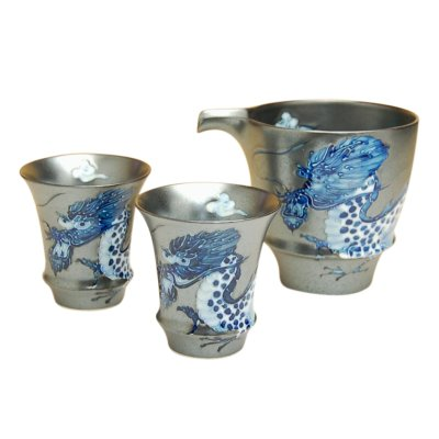 Photo2: Koutei ryu Dragon SAKE pitcher and cups set (wood box)