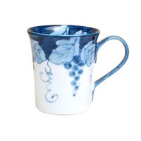 Fuchi dami budou grape (Blue) mug
